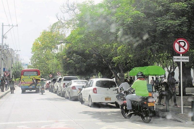 Carros frente a la Alcaldía