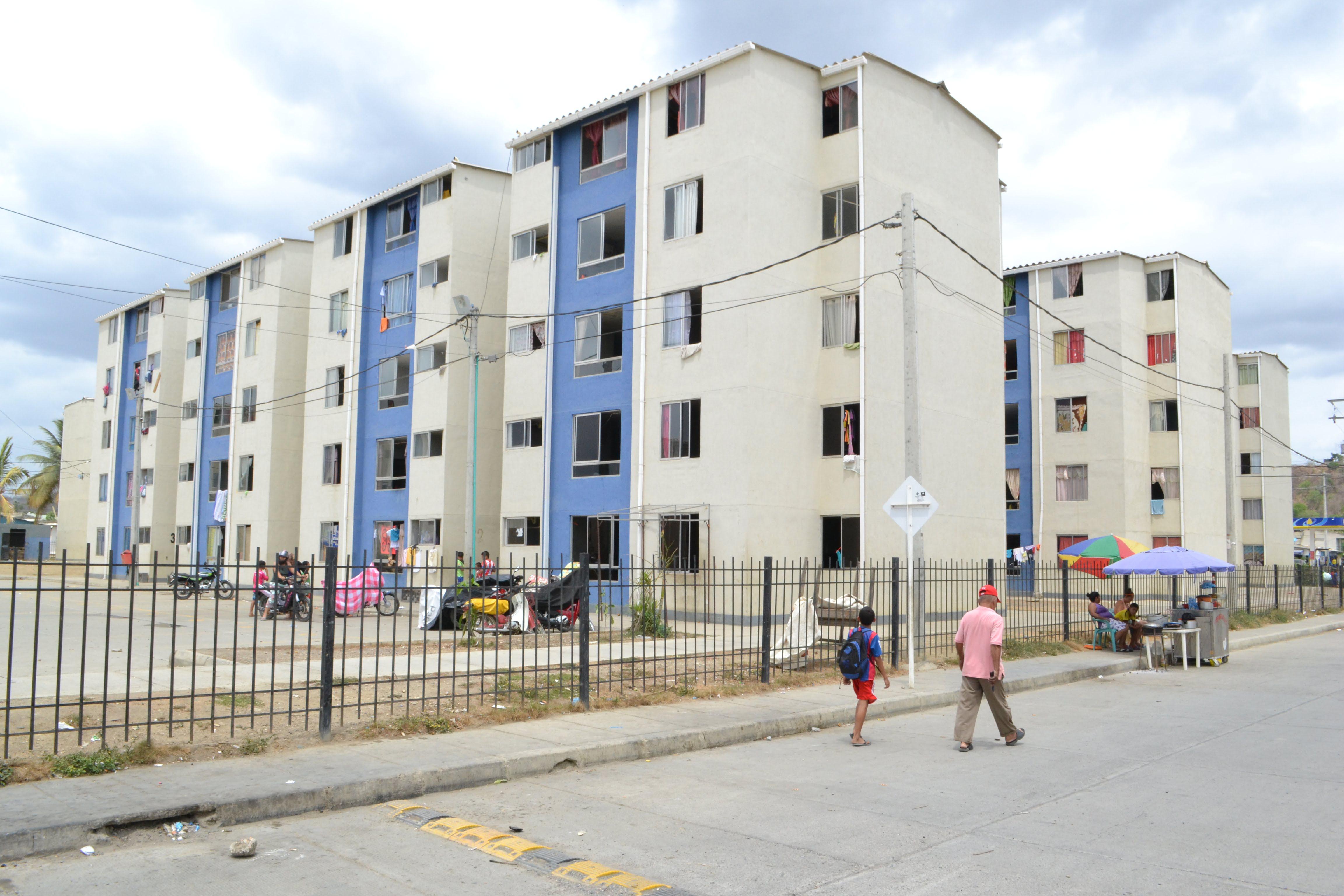 Habitantes de la urbanización La Gloria, piden ayuda.