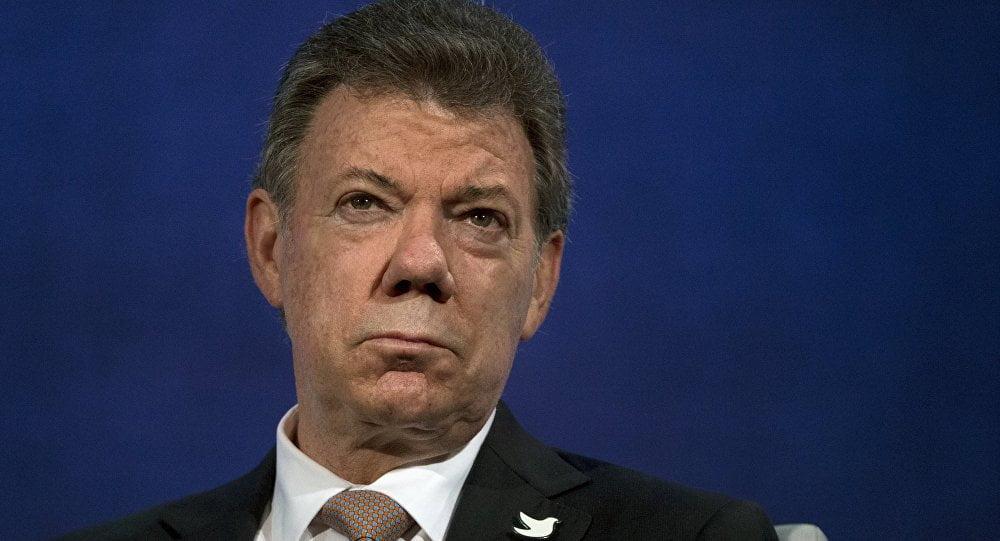 Presidente Santos recibe la renuncia de su gabinete