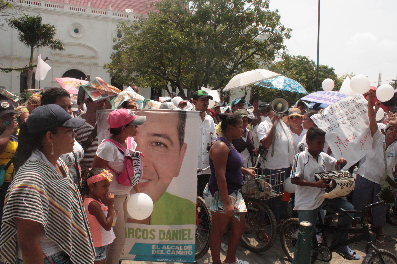 Siguen protestas de invasores de barrios.