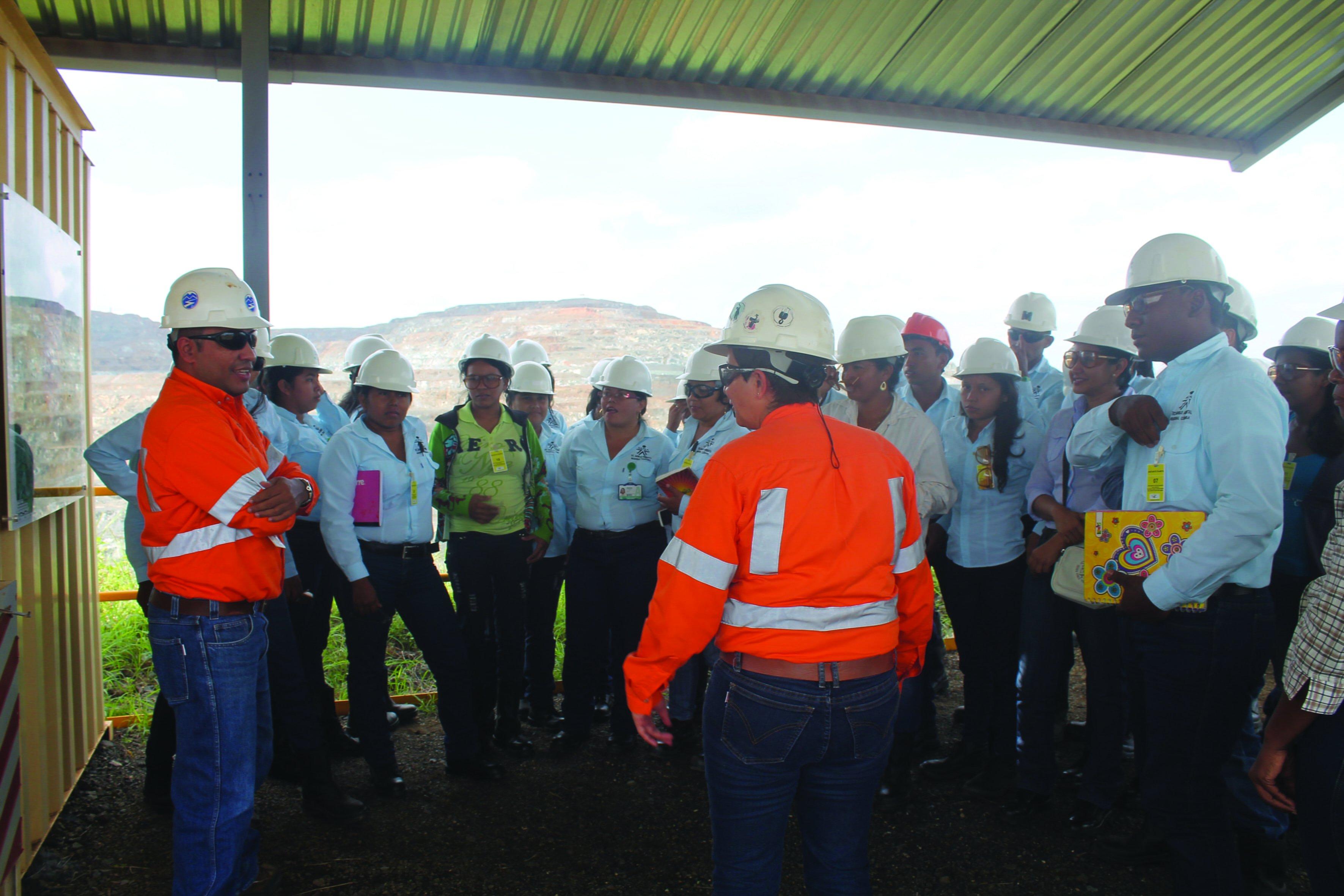 Cerro Matoso y el SENA unidos para proteger el medio ambiente
