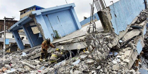 Aumentan el número de víctimas mortales y desaparecidos  en ecuador tras terremoto de 7.8 grados en la Escala de Richter