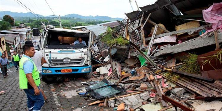 Aumenta a 272 la cifra de fallecidos por el terremoto, informa presidente Rafael Correa