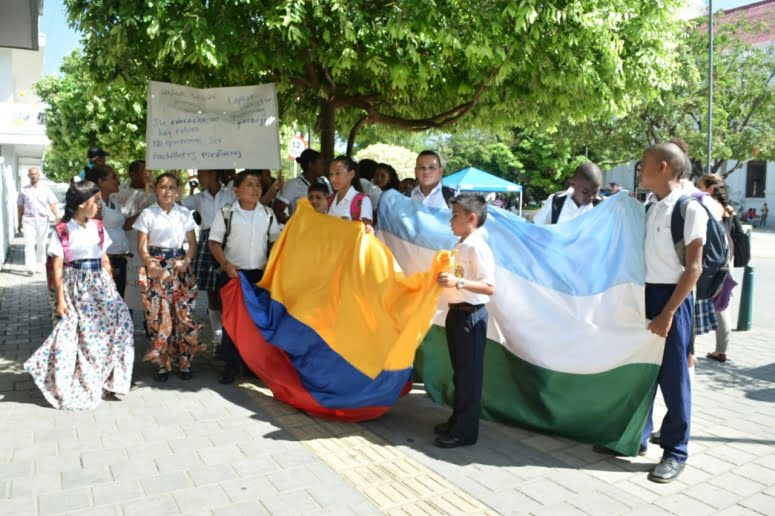 Protestas en la Gobernación de Córdoba por falta de docentes.