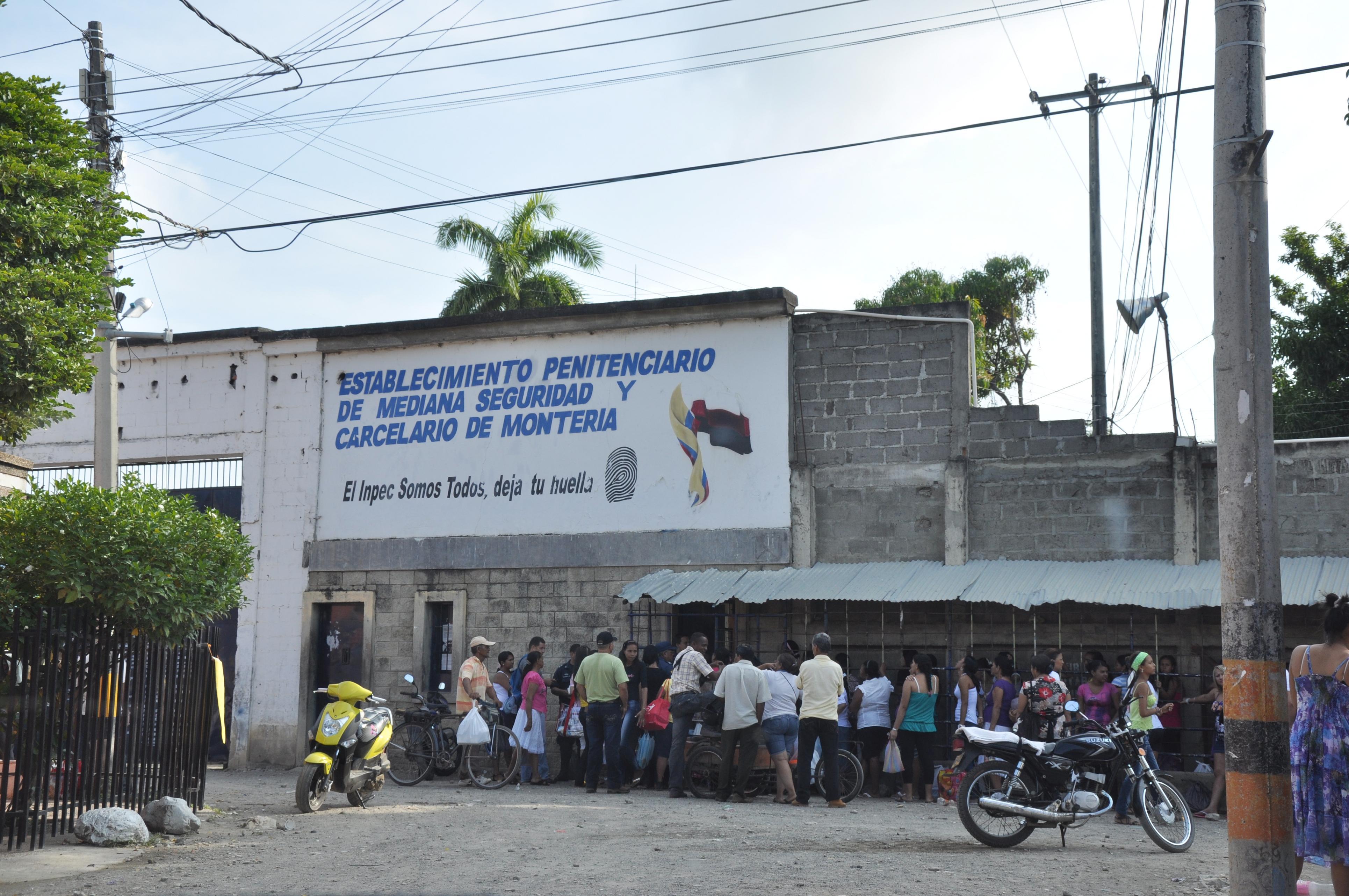 Autoridades se toman la cárcel Las Mercedes