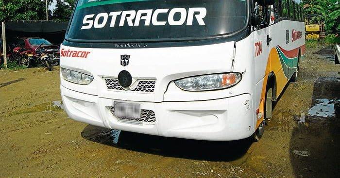 Atracan bus en la vía Tierra alta – Montería