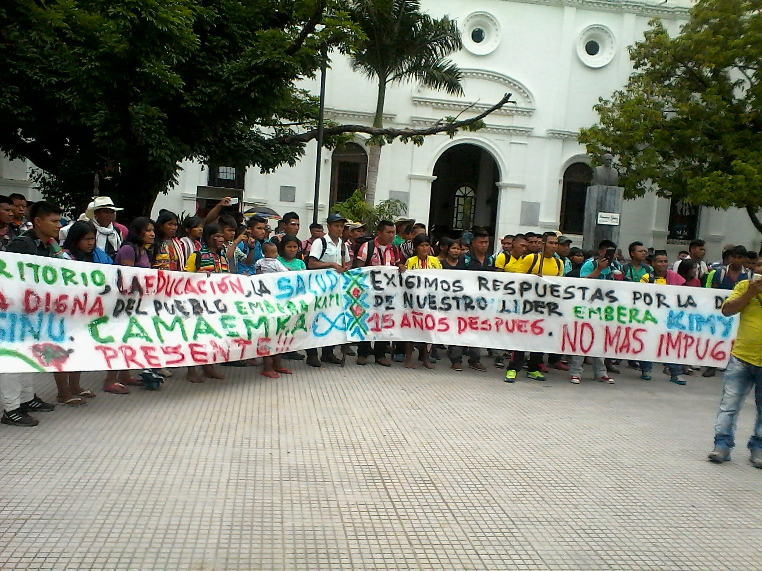 Emberas protestaron frente a la Gobernación de Córdoba