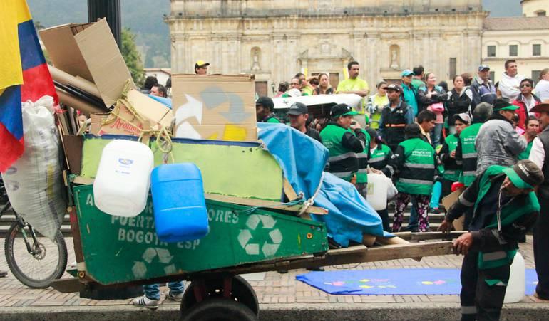 Los 22.000 recicladores están en el nuevo esquema de aseo de Bogotá: Distrito