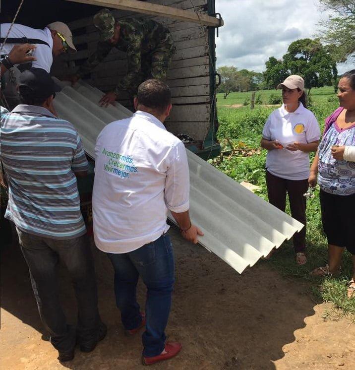 Entregaron ayudas humanitarias en Planeta Rica.