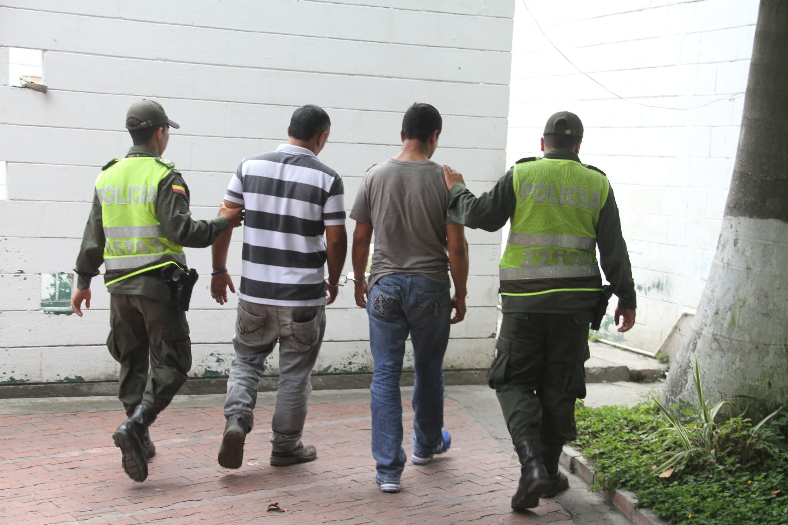 Policía aprehendió a 3 hombres por el delito de robo de luz
