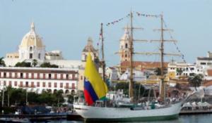 """El buque insignia """"Gloria"""" realiza nuevo crucero por los mares del mundo"""