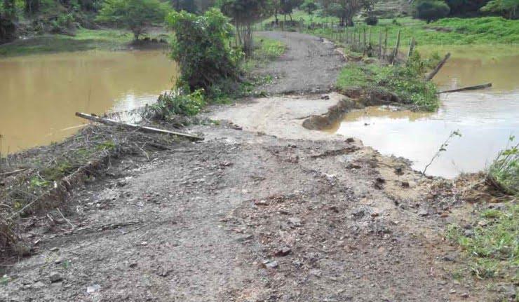 Agricultores de Planeta Rica exigen arreglo de vías rurales