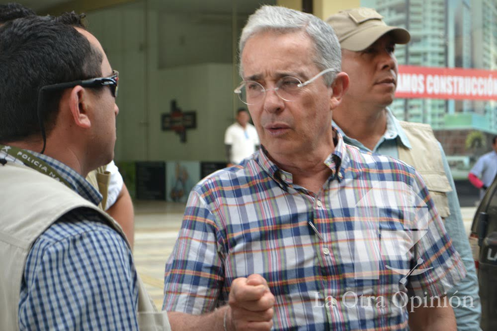 Uribe y las firmas del plebiscito