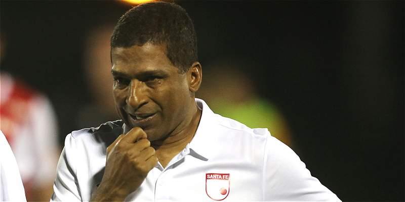 Alexis García no seguirá como director técnico de Santa Fe