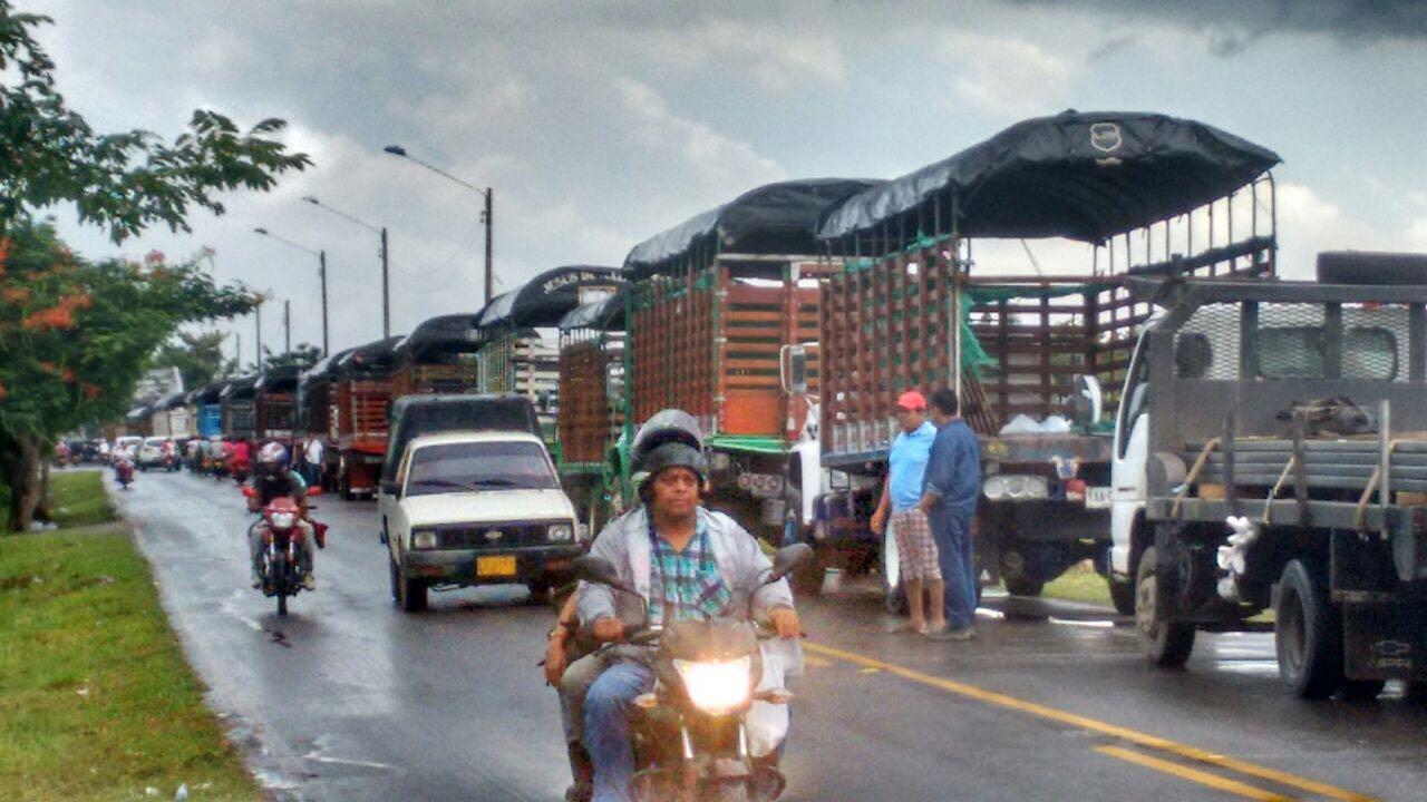 ¿Comenzó paro camionero en Córdoba?: camioneros protestan en Lorica