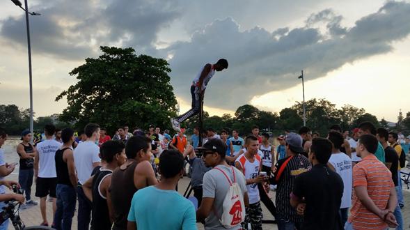 """La disciplina del """"street workout"""" se toma la ciudad de Montería"""