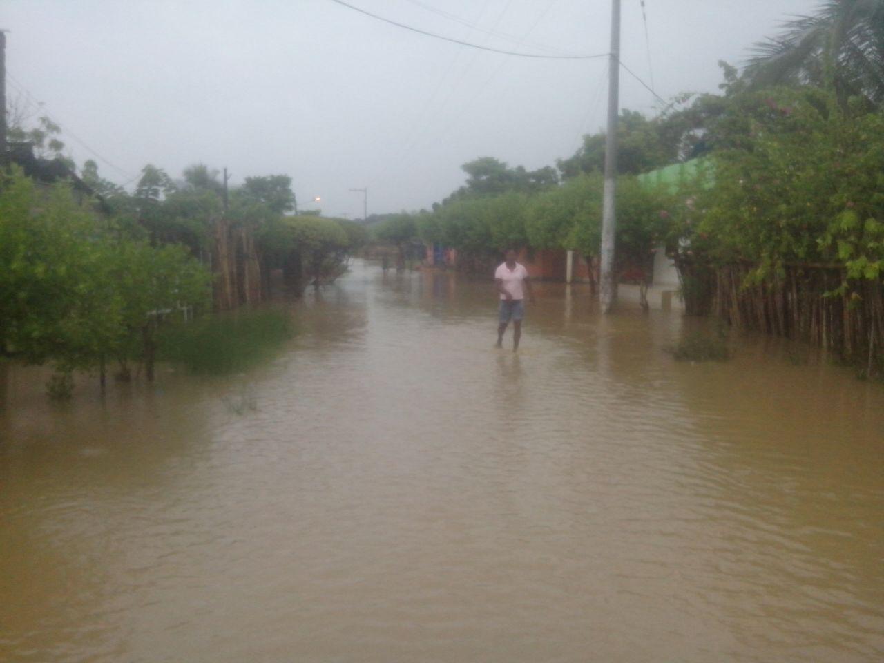 Inundación en Moñitos por lluvia de más de 8 horas