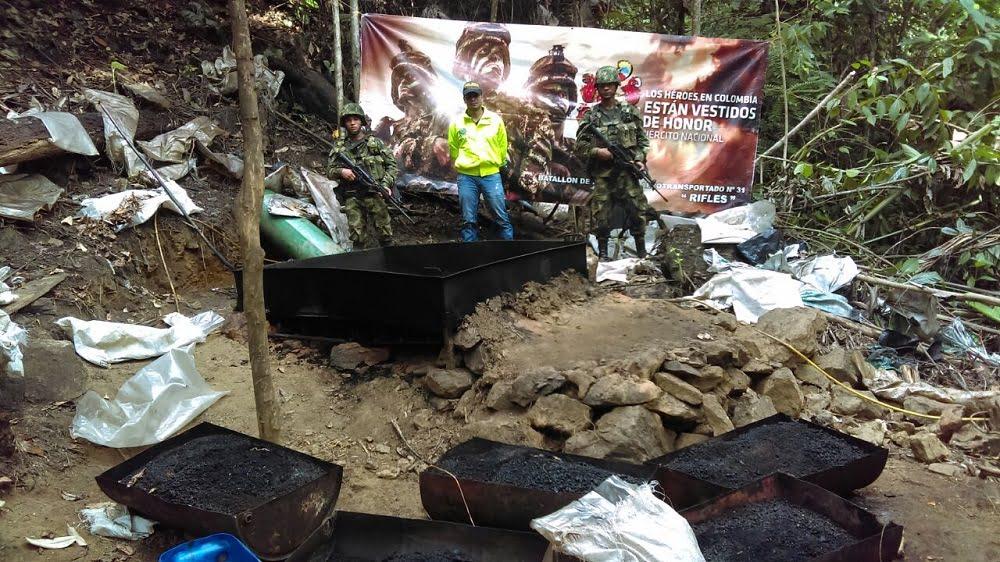Tropas del ejército destruyeron un laboratorio ilegal en Tarazá, Antioquia