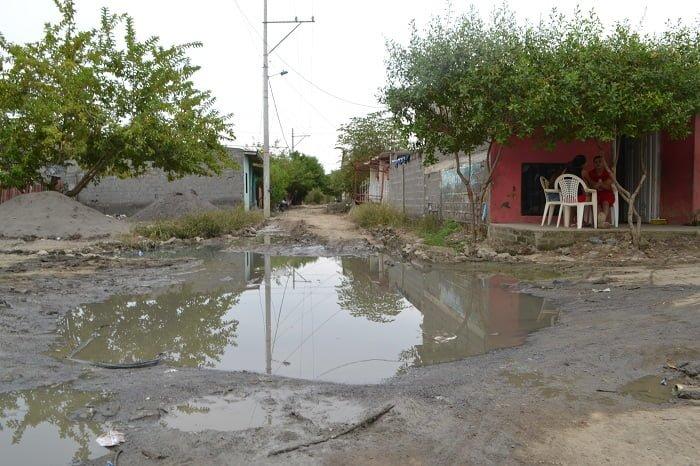 En Mocarí, aumentan enfrentamientos por aguas negras y canales de desagüe