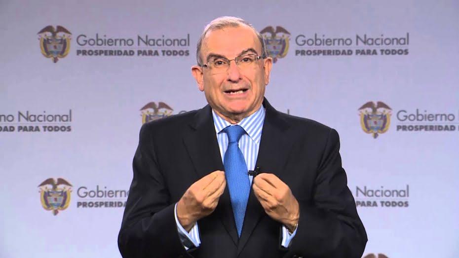 Humberto de la Calle puso a disposición su cargo