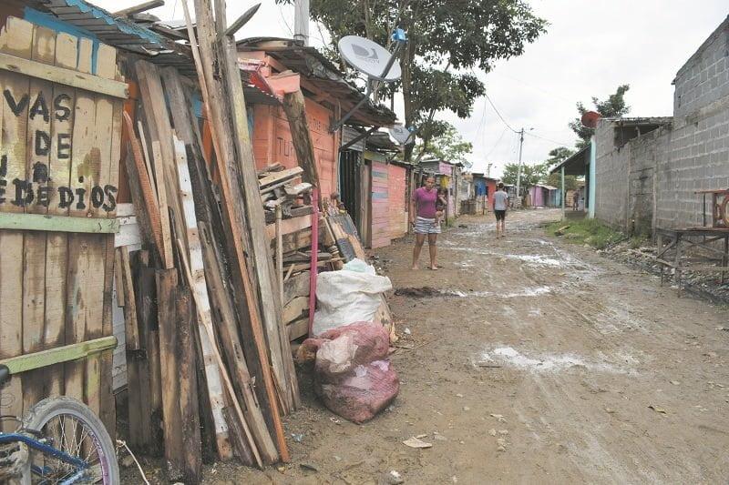 Barrio Nueva Esperanza sigue en la espera
