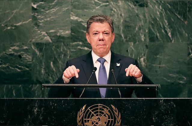 """""""Tengo facultades legales para decidir cómo implementar nuevo acuerdo"""": Santos"""