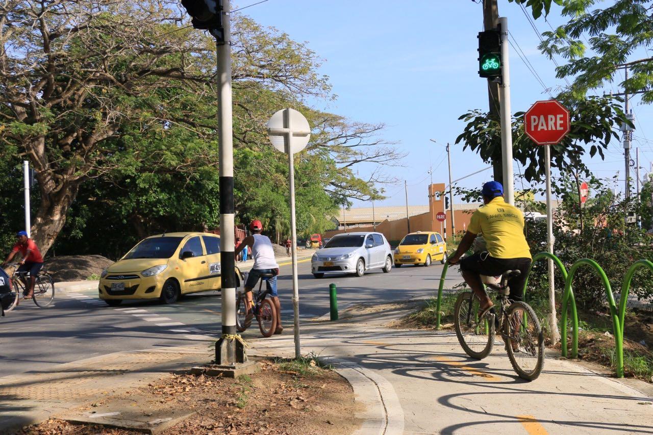 Entró en funcionamiento primer sémaforo con fase para ciclistas