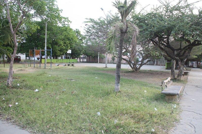 Drogadictos y habitantes de calle invaden la Plaza Roja del P5