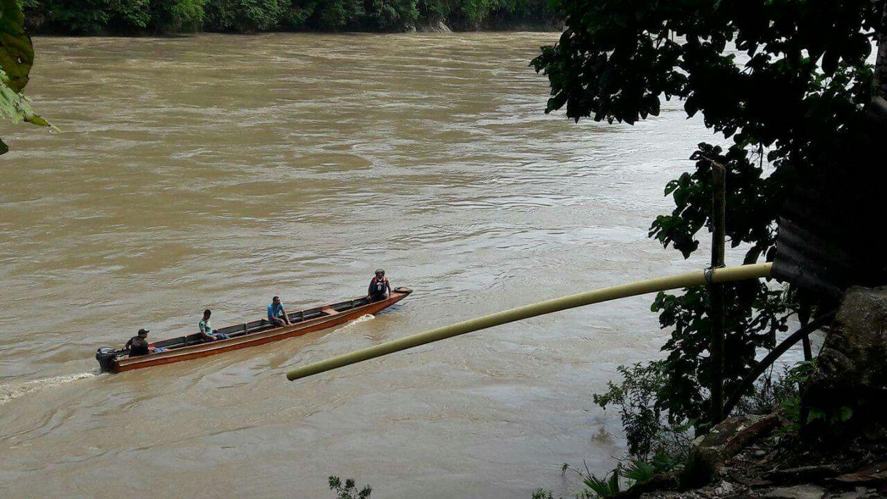 Vehículo con 6 ocupantes perdió el control y cayó al río Cauca en el sector El Doce, Tarazá