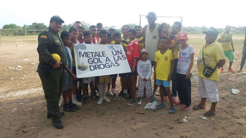 """En Córdoba se lleva a cabo la campaña """"Métele gol a la droga"""""""