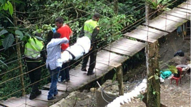 Caída de puente colgante en Villavicencio deja 11 muertos