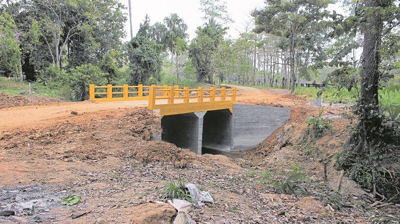 Construyen placa huella y puente