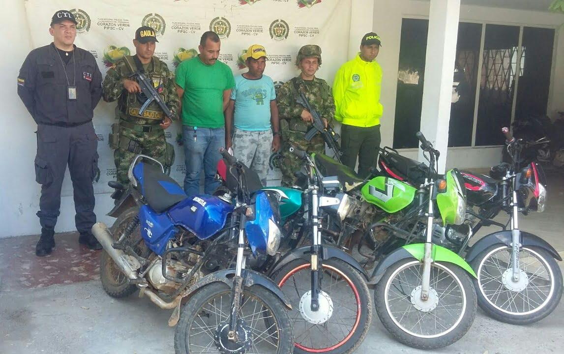 En Montelíbano, capturan a alias «Pantera» y «El Parra», presuntos integrantes del Clan del Golfo