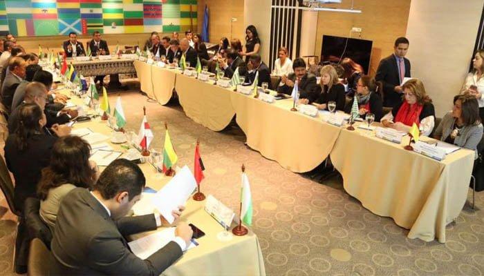 """""""No se puede admitir que los recursos que ya son de las regiones pretendan quitárselos ahora"""": Gobernadores en cumbre extraordinaria en Bogotá"""