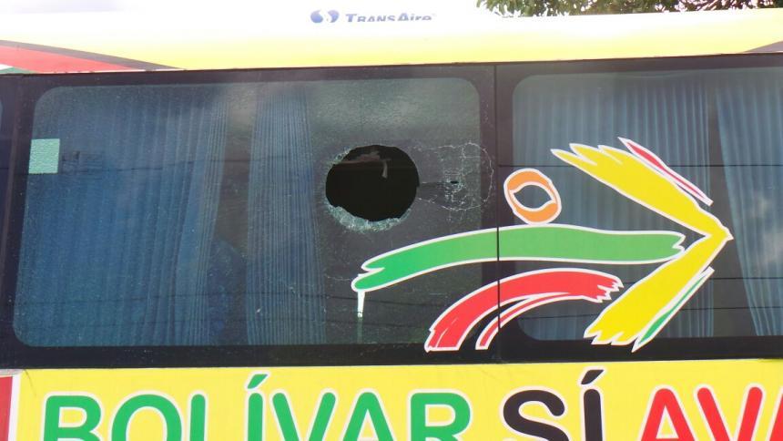 Suspenden partido Jaguares VS Real Cartagena, hinchas atacan buseta del equipo local
