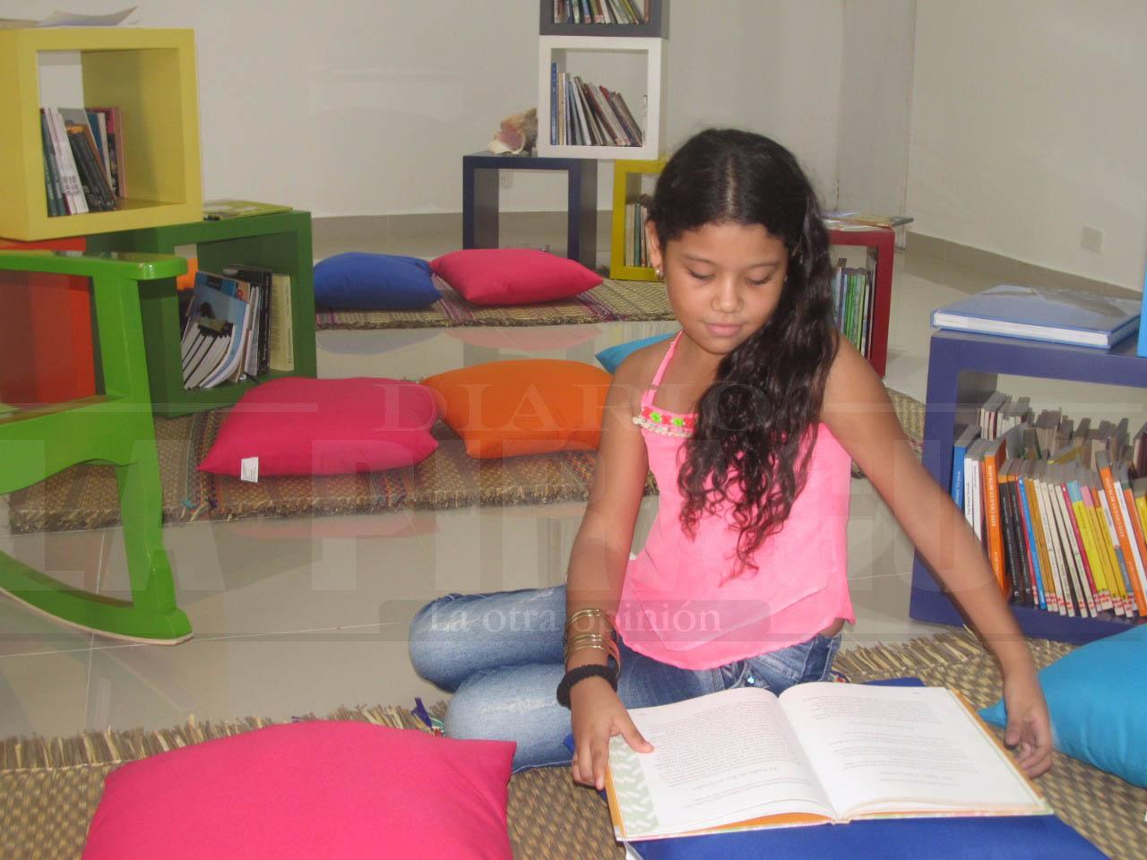 Con actos culturales la biblioteca Juana Domínguez celebra aniversario