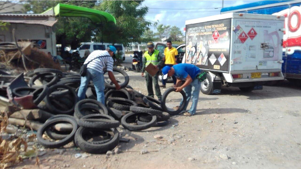 Jornada de aseo en el barrio Colón fue realizada por la Policía ambiental y ecológica