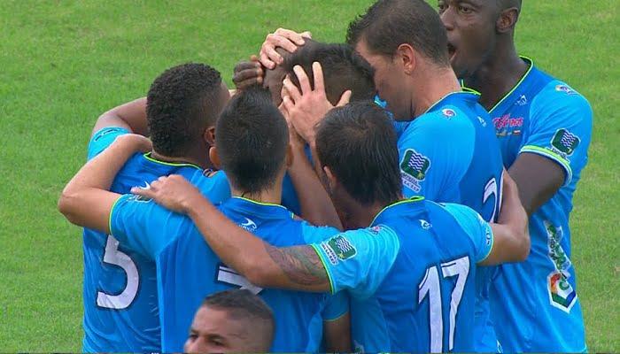 Jaguares sorprende con un triunfo a Santa Fe en Bogotá