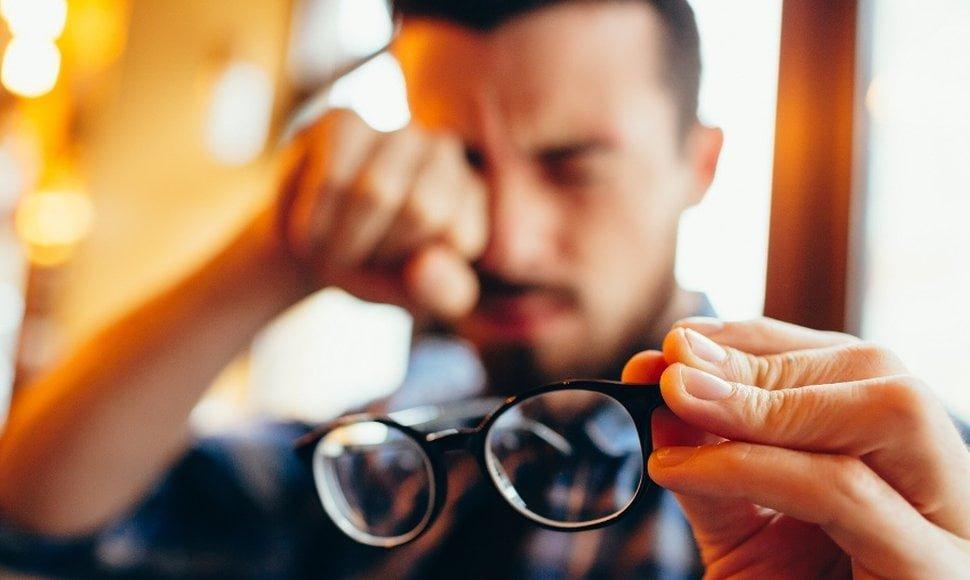 Alertan sobre miopía por abuso de dispositivos móviles
