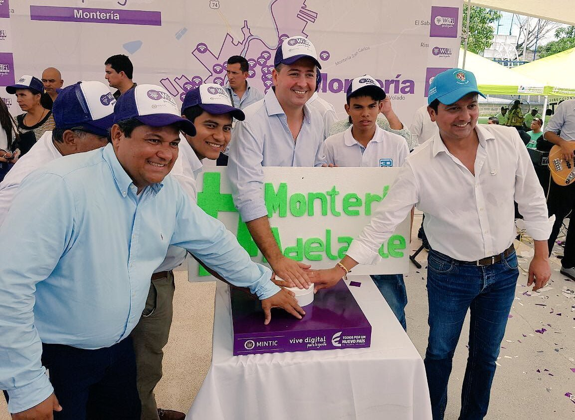 Ministro Tic encendió 71 zonas de Internet gratis para Córdoba