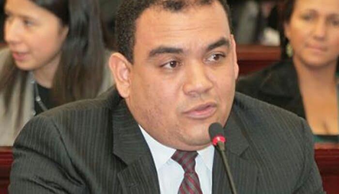 Salida del senador Antonio Correa de su partido pondría en jaque la existencia opción ciudadana