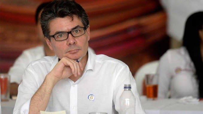Diagnostican con cáncer al ministro de Salud, Alejandro Gaviria