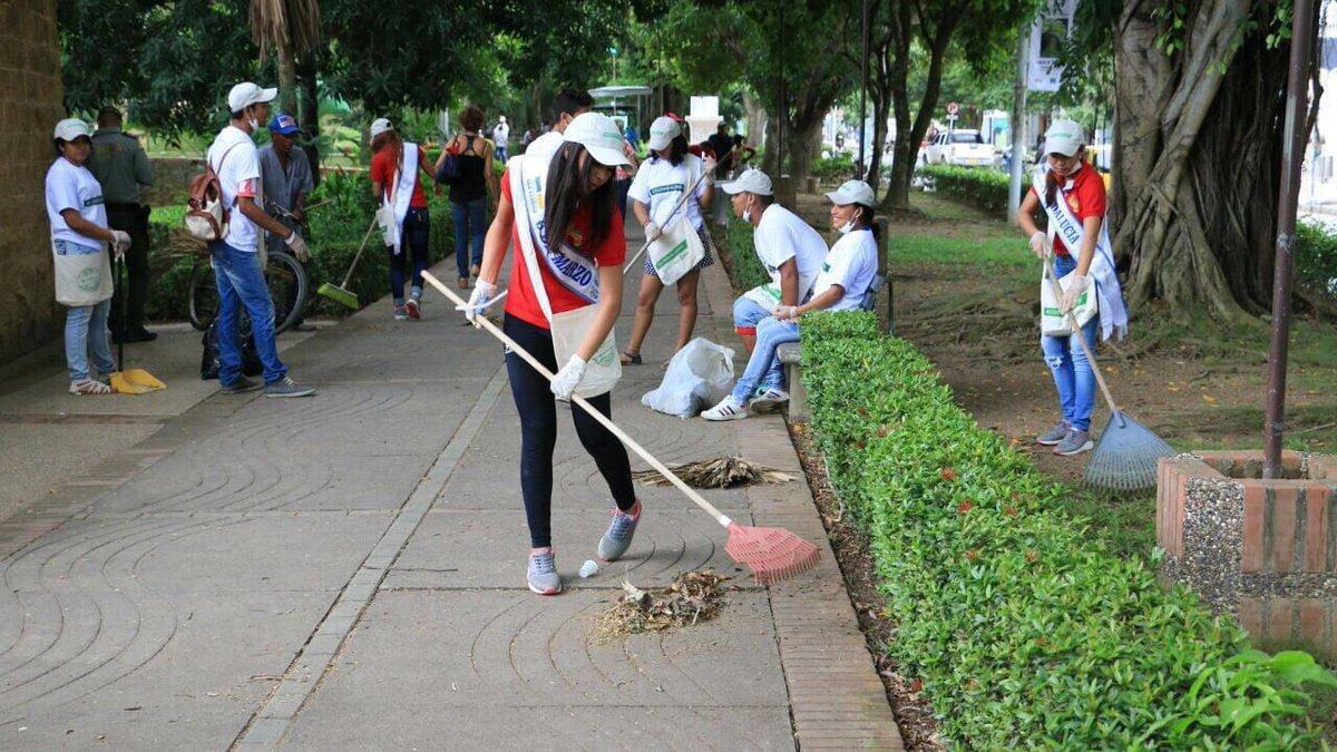Montería Verde y Limpia acompañadas por las candidatas del Reinado del Río