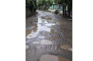 Con versos, comunidad pide arreglo de sus calles en Cereté