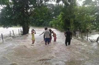 En Sahagún y Ciénaga de Oro comunidades rurales bajo el agua, arroyo de venado fuera de control