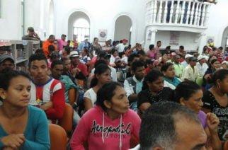 Protesta de comunidades afectadas por la ola invernal en Ciénaga de Oro