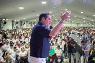 Candidatos a la presidencia por firmas lideran la intención de voto de los colombianos