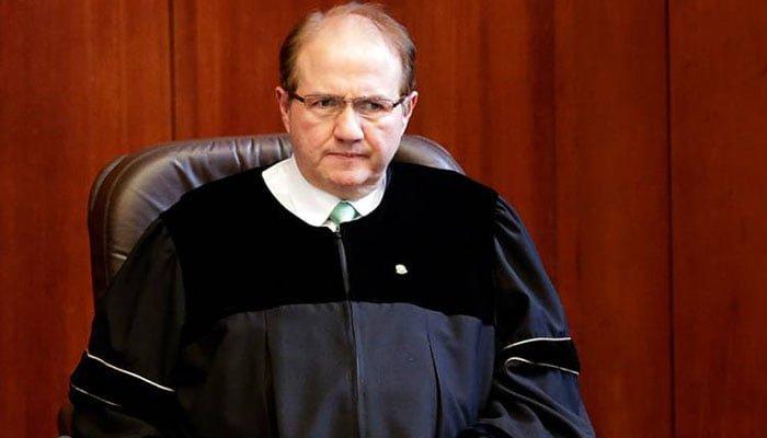 Exmagistrados Bustos es investigado formalmente por la Comisión de Acusación