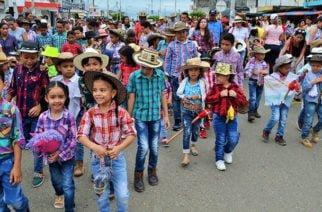 En Sahagún En Festival Nacional de Cultura los niños se tomaron la programación
