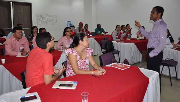 Proactiva realiza taller de innovación